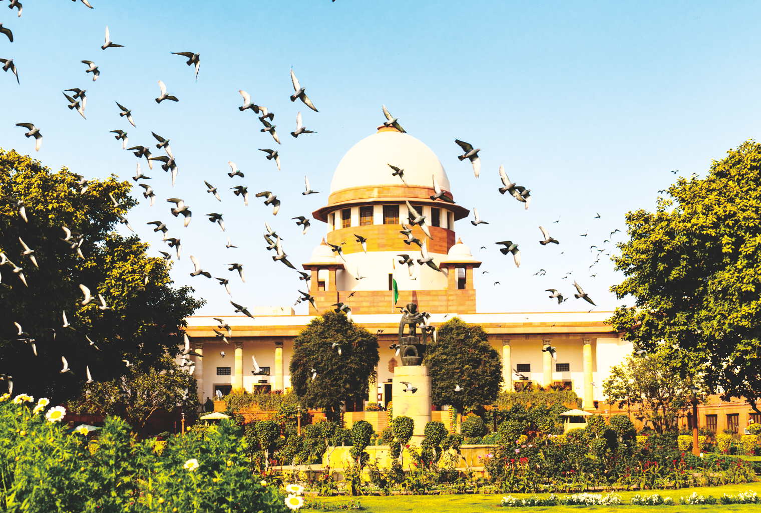 SC asks Centre to consider adopting 'one nation, one ration card' scheme during lockdown.