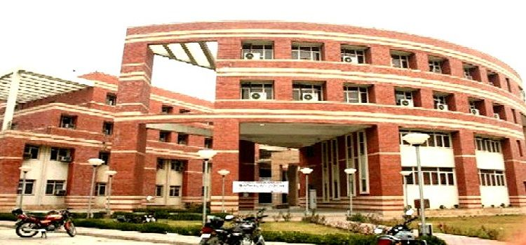 Law School Review : Know About Jamia Millia Islamia